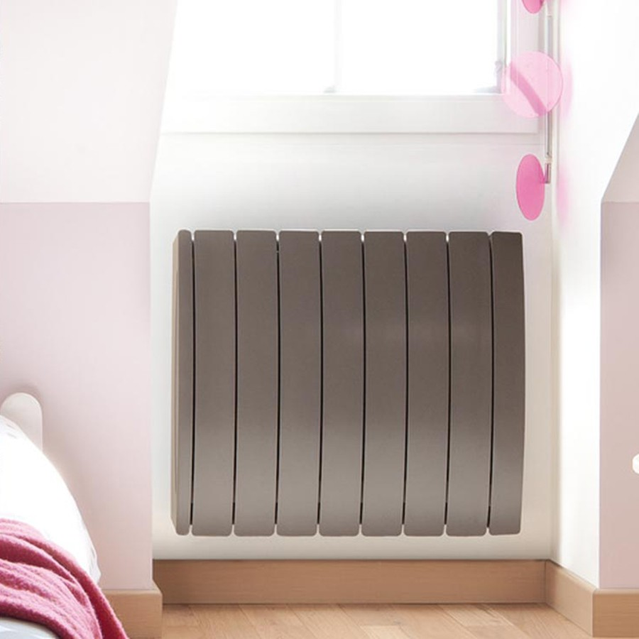 acova taiga beautiful acova radiateur electrique fluide taga lcd blanc w amazonfr bricolage. Black Bedroom Furniture Sets. Home Design Ideas